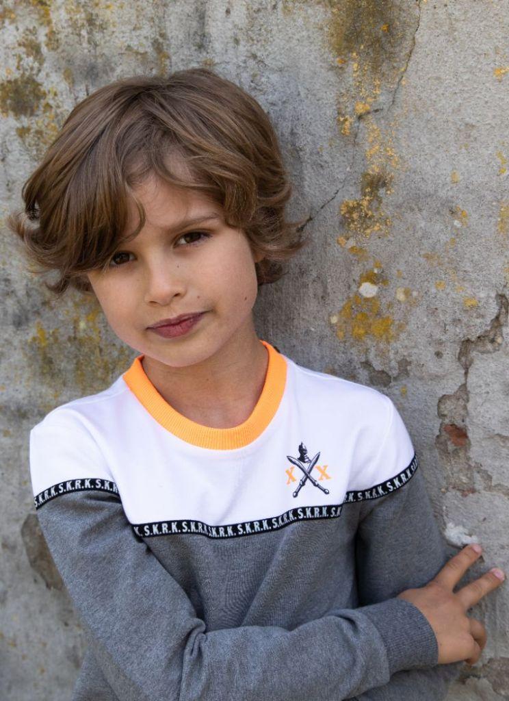 stoere jongenskleding te koop gemaakt van biologisch katoen
